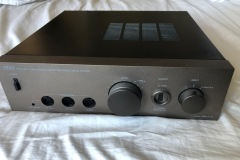 Stax-Headphone-amp-front